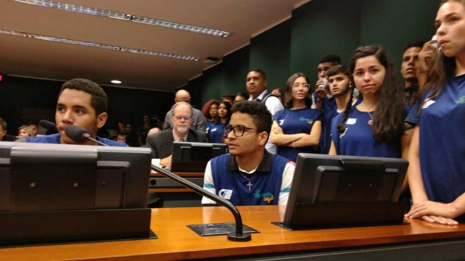 Aprendizes do CIEE Braslia em audiencia publica na Camara dos Deputados