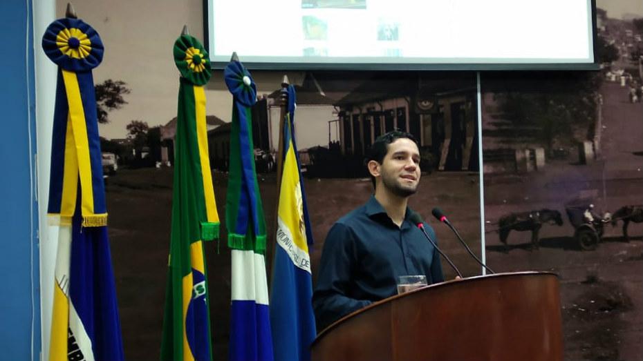 Consultor do CIEE em Dourados faz discurso na Camara Legislativa