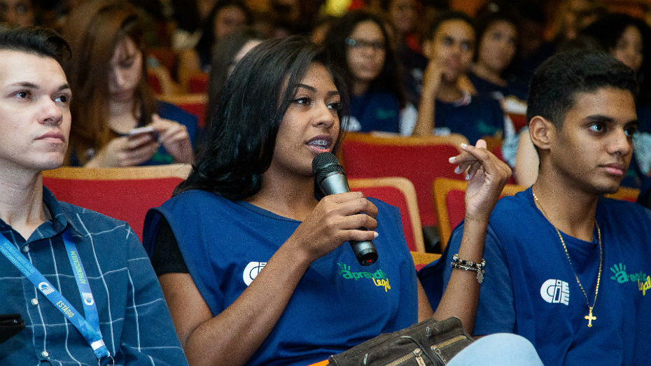 Durante eventos da semana do jovem trabalhador os estudantes puderam tirar duvidas sobre trabalho