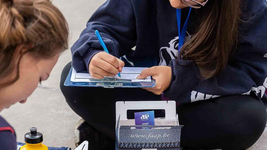 Secundaristas se cadastram no banco de oportunidades do CIEE