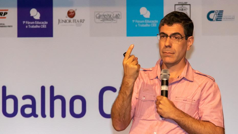 Daniel Santos, coordenador do Laboratório de Estudos e Pesquisas em Economia Social da Faculdade de Economia, Administração e Contabilidade da Universidade de São Paulo (Lepes - FEA/USP).
