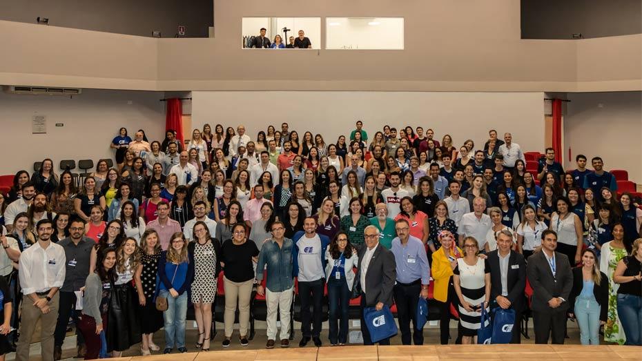 Selfie com os participantes do I Fórum Educação e Trabalho CIEE.