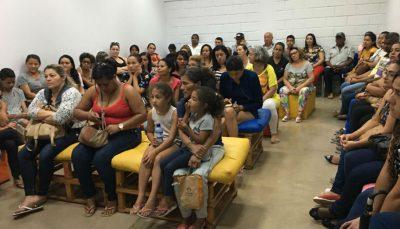 Famílias participam de encontro no Espaço de Cidadania do DF