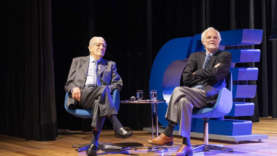 Paulo Nathanael à esquerda na 23° edição do Prêmio Professor Emérito