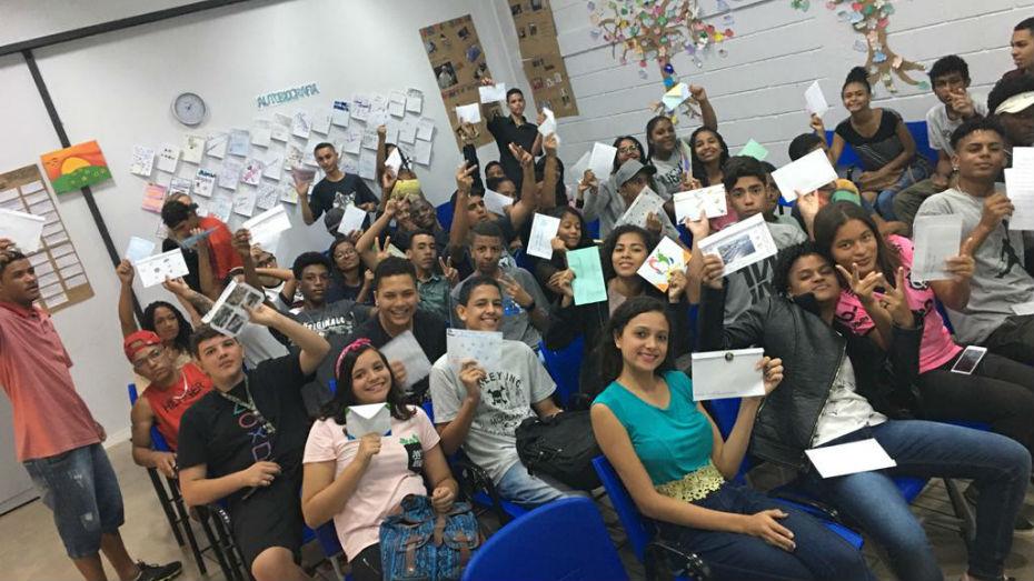 Conviventes de Manaus participam de intercâmbio literário