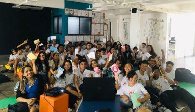 Conviventes de Manaus reunidos durante o programa Intercâmbio Literário