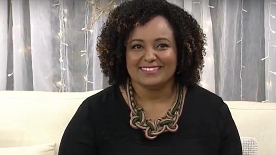 Imagem do rosto de Barbara Ferraz, líder técnica da Aprendizagem