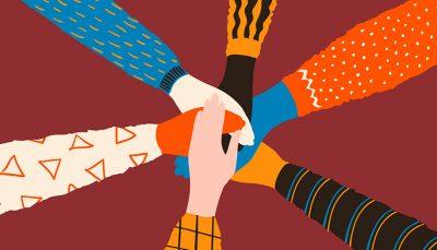 Mãos da amizade. Pilha de mãos diferentes dos povos, amigos ou conceito na moda da equipe