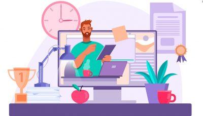Arte digital reproduz um rapaz, com cabelo castanhos e um caderno em mãos estudando em seu notebook. O seu desenho está dentro de um desktop centralizado na imagem. Nas pontas vemos um troféi, uma luminária, e um relógio de parede. Na outra ponta da imagem está um caso de planta, uma xícara vermelha e acima um certificado na parede